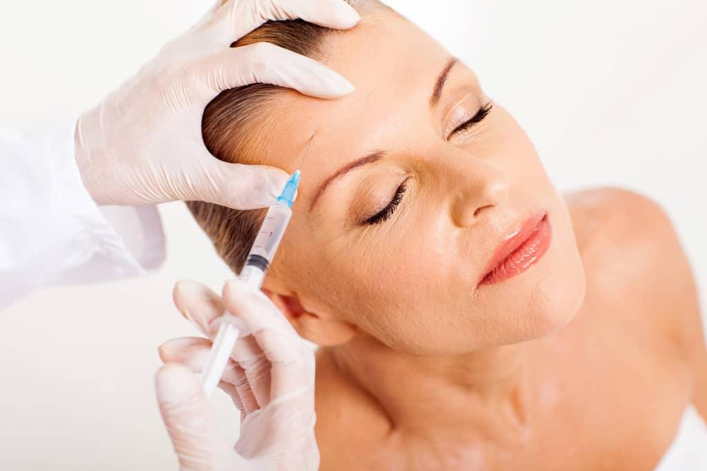 botox wien: behandlungen in Wien und Tulln - Muskelbedingte Falten werden mit Botulinumtoxin (Botox) unterspritzt